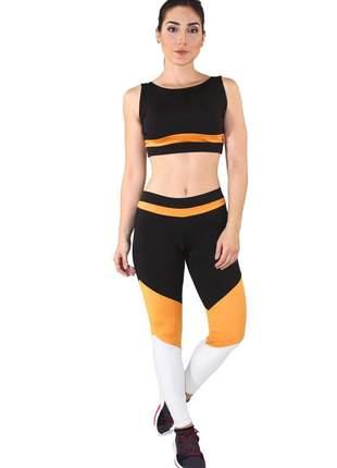 Conjunto fitness cropped com faixa + calça legging preto com amarelo e branco