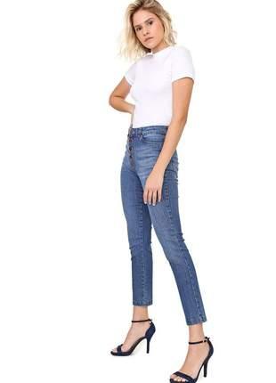 Calça jeans botão externo