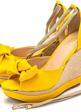 Sandália anabela amarelo salto plataforma juta amarrar na perna