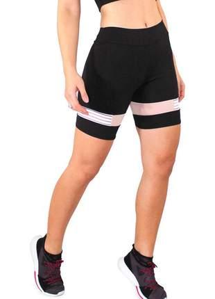 Short fitness preto com detalhe rose e branco