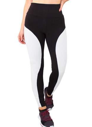 Calça legging fitness preto detalhe lateral branco