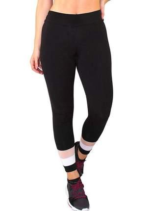 Calça legging fitness preto com detalhes branco e chocolate