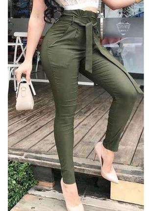 Calça bengaline clochard cintura alta cinto