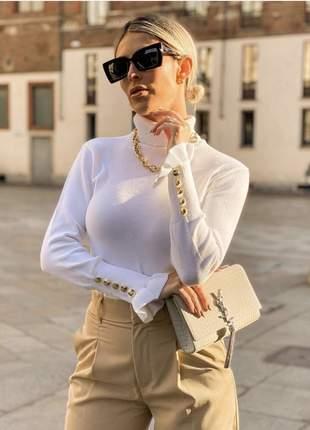 Blusa tricot de frio gola alta com botões no punho off white