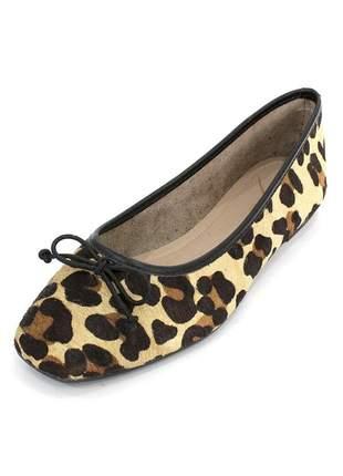 Sapatilha couro dali shoes animal print oncinha bico quadrado e lacinho