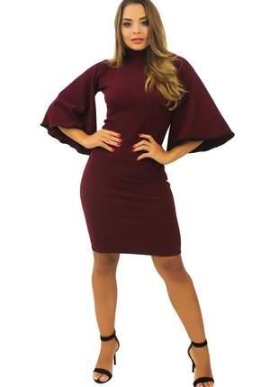 Vestido feminino curto manga flare gola alta tecido crepe