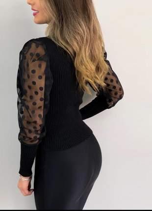 Blusa manga longa em tule cor preta