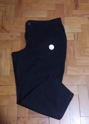 Calça preta plus size