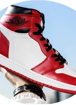 Tenis botinha air jordan   vermelho masculino