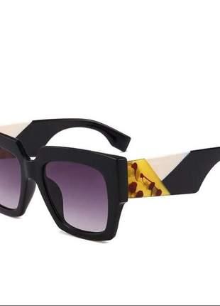 Oculos de sol quadrado degradê