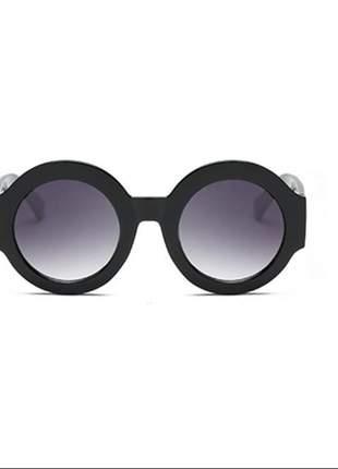 Oculos de sol redondo preto