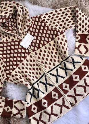 Casaco tricot plus size