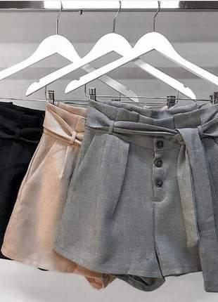 Shorts alfaiataria cintura alta botões de linho