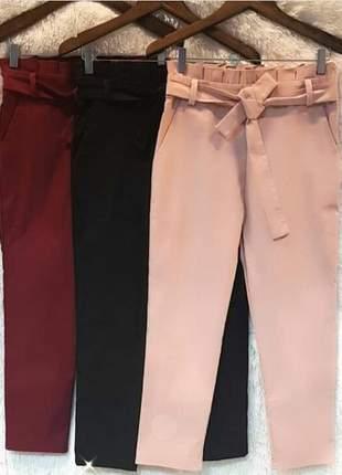 Calça pantacurt em tecido bengaline