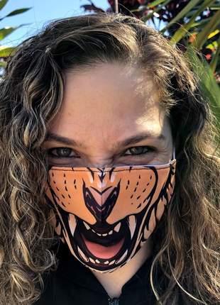 A melhor máscara de tecido com 3 camadas com normas da oms estampa leão