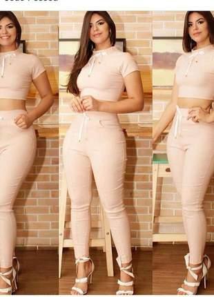 Conjunto em bengaline (calça/cropped)