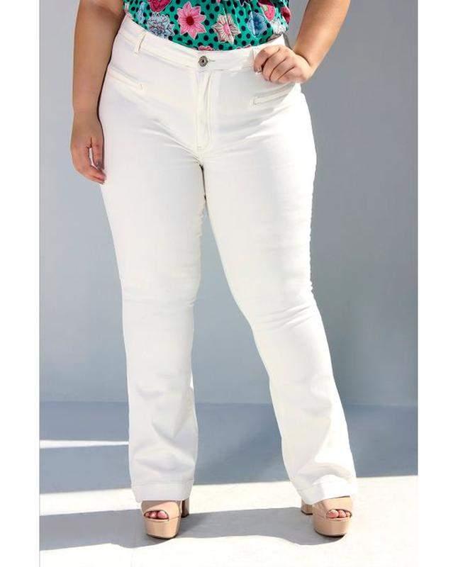 dad222968 Calça jeans flare branca plus size cintura alta - R$ 129.99 (com ...
