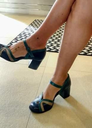 Sapato boneca em couro dalí shoes