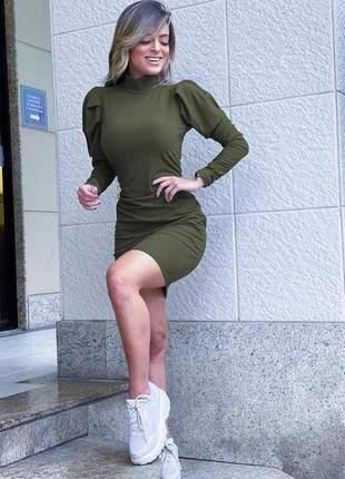 Vestido curto canelado verde militar manga princesa longa