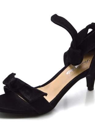 Sandália social preta salto baixo fino com laço amarrar na perna