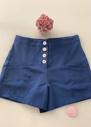 Shorts lia com botões