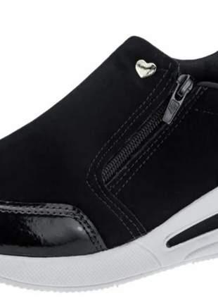 Tenis feminino sneaker slip on preto bordo