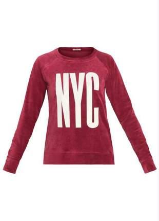 Casaco em plush vermelho estampa nyc quintess