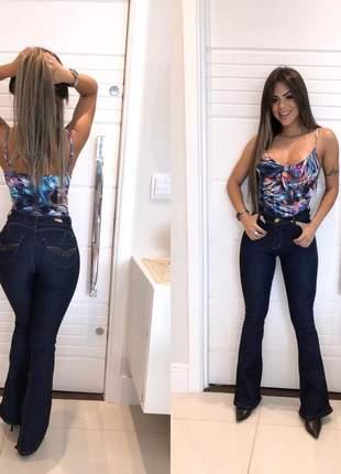 Calça flare amaciada jeans modeladora