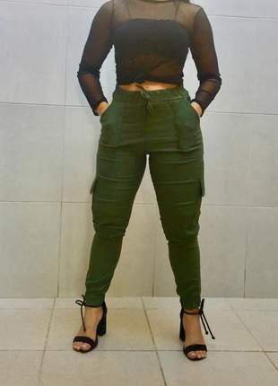Calça jogger verde militar bomber justa com bolso blogueiras