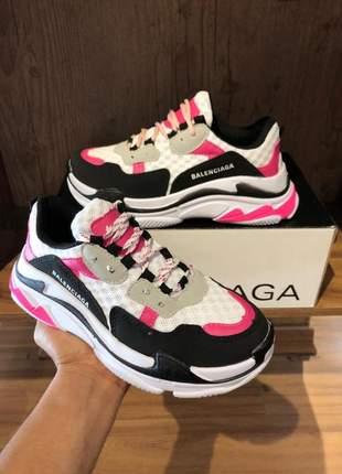 Tênis feminino balenciaga triple s pink e branco