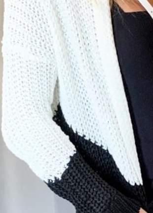 Cardigan em tricô, bicolor. tam. único.