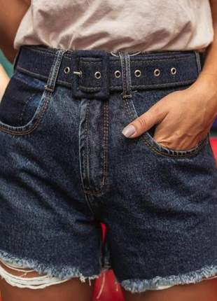 Shorts style com cinto