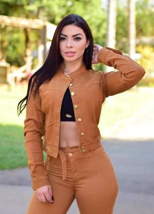 Jaqueta jeans feminina caramelo gola padre com lycra