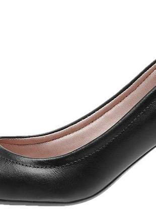 Scarpin feminino em couro 3801 preto