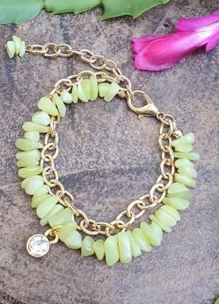 Pulseira dourada de jade com pingente de strass