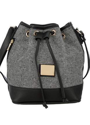 Bolsa saco tiracolo textura palha preto