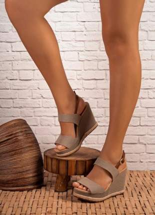 Sandálias anabelas  tendência  colors