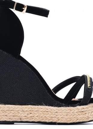 Sandália anabela milla