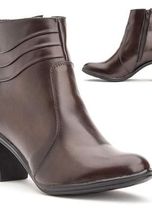 Bota feminina cano curto salto alto grosso confortavel em couro 2803 marrom