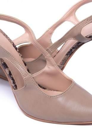 Sapato scarpin nude animal print