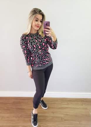 Blusa tricô de oncinha
