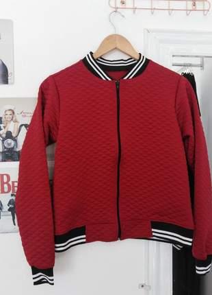 Jaquetinha bomber vermelha confortável moda inverno 2020