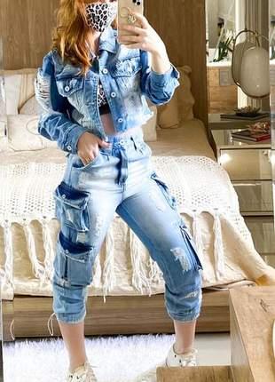 Conjunto calça e jaqueta jeans destroyed