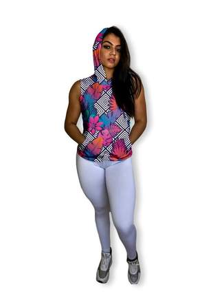 Regata feminina fitness com capuz e bolso canguru dry fit para academia estampada