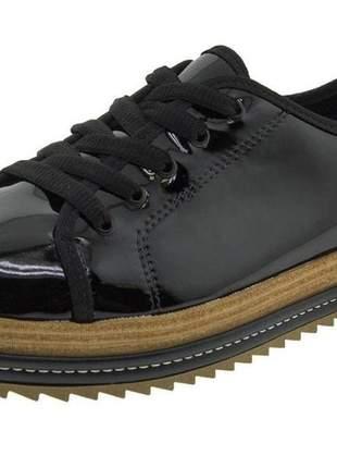 Sapato oxford flatform feminino beira rio 4196203 verniz preto.