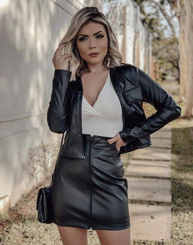 Look Dreams / Conjunto couro eco saia curta e jaqueta luxo