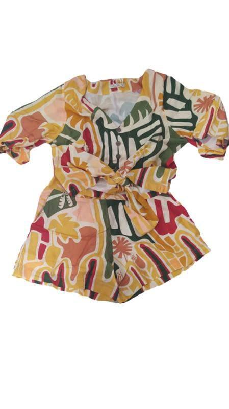 Cila Martini Store / Conjunto feminino shorts e blusa curta viscolinho estampado summer flash