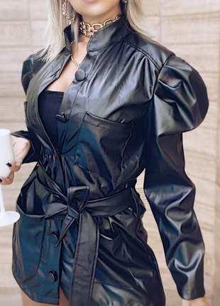 Jaqueta parka vestido couro eco botões encapados manga princesa bolsos e cinto