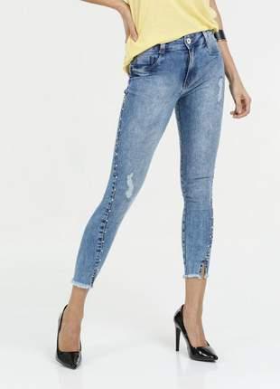 Calça feminina jeans pérolas sintéticas capri biotipo