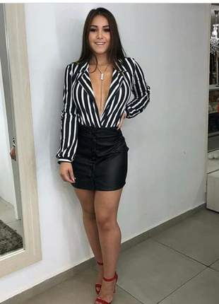 Body feminino decote blazer listrado fundo preto